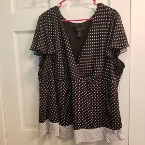 Lane bryant size 26/28 black and white top